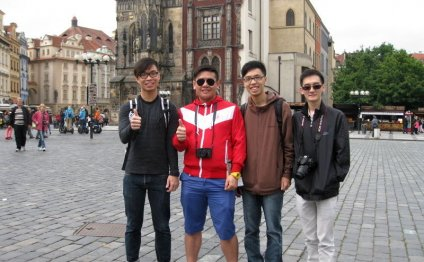 Business Tourists in Prague